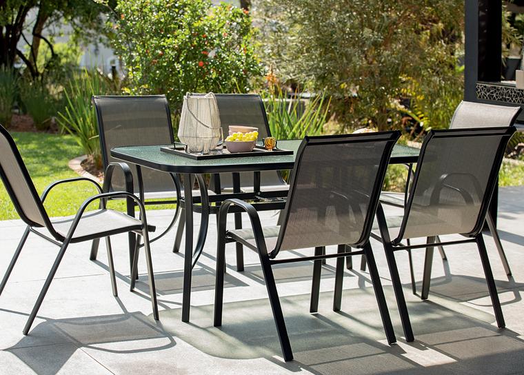 Create A Comfortable Outdoor Oasis For The Festive Season